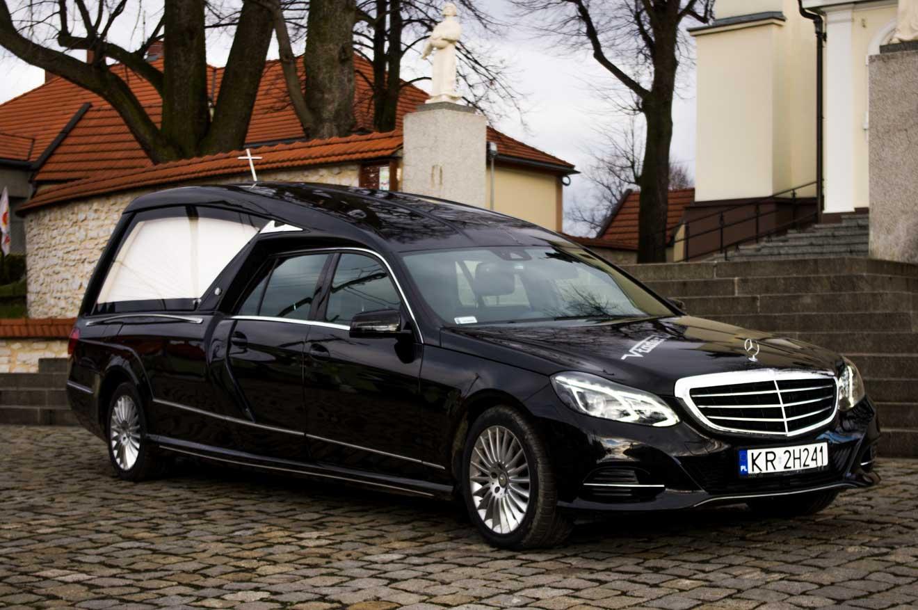 Karawan pogrzebowy Mercedes