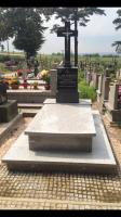Zdjęcie grobowca ks. Jana Humpoli po renowacji w Liszkach